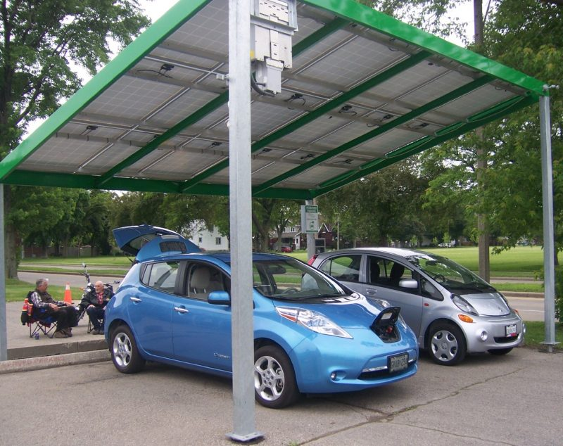 Mitsubishi MiEV and Nissan Leaf
